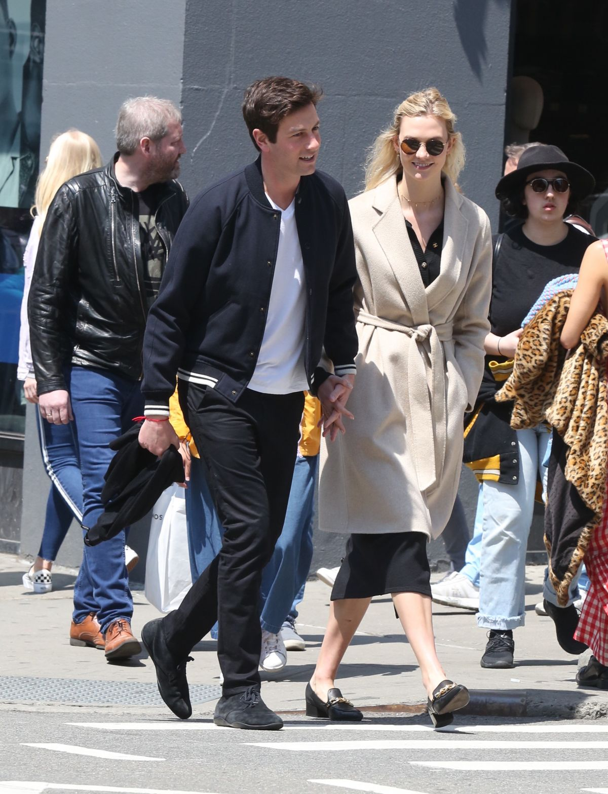 Karlie Kloss Spotted Out And About With Her Boyfriend In Soho Celebzz