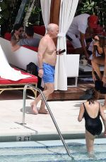 Laura Zilli Seen with her friends at the pool of her hotel in Miami