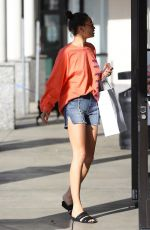 Shanina Shaik Leaving a skin care facility after a facial in Los Angeles