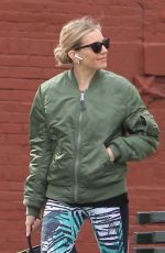 Sienna Miller Goes out for Coffee with Peter Scanavino in New York