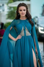 Anna Andres In an awesome turquoise dress in front of the Martinez Hotel in Cannes