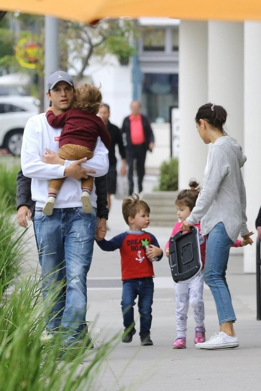 Ashton Kutcher & Mila Kunis Take the kids out for a family lunch with a friend in Los Angeles