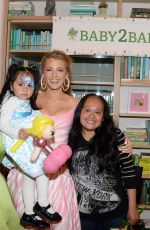 Blake Lively At Shutterfly's 2018 Baby2Baby Mother's Day Celebration held at The Wing Dumbo in New York City