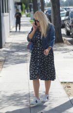 Busy Philipps Out for lunch with hubby Marc Silverstein and friends at Mauro Cafe in West Hollywood