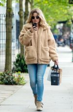 Caggie Dunlop Out and about in sunny London