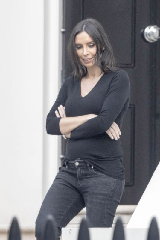 Christine Lampard Arriving back from a dog walk in London
