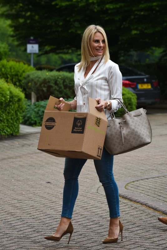 Danielle Armstrong Out & About in London