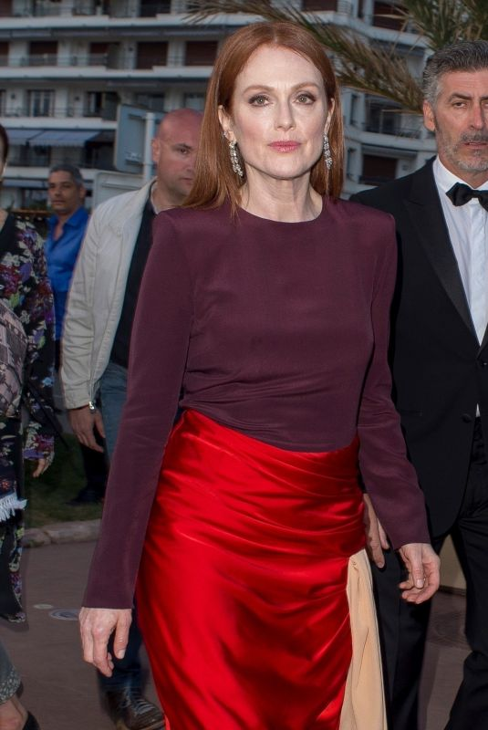 Julianne Moore Going to the L
