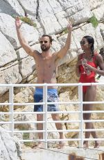 Laura Harrier & Justin Theroux On a yacht at Hotel du Cap-Eden-Roc in Antibes, France