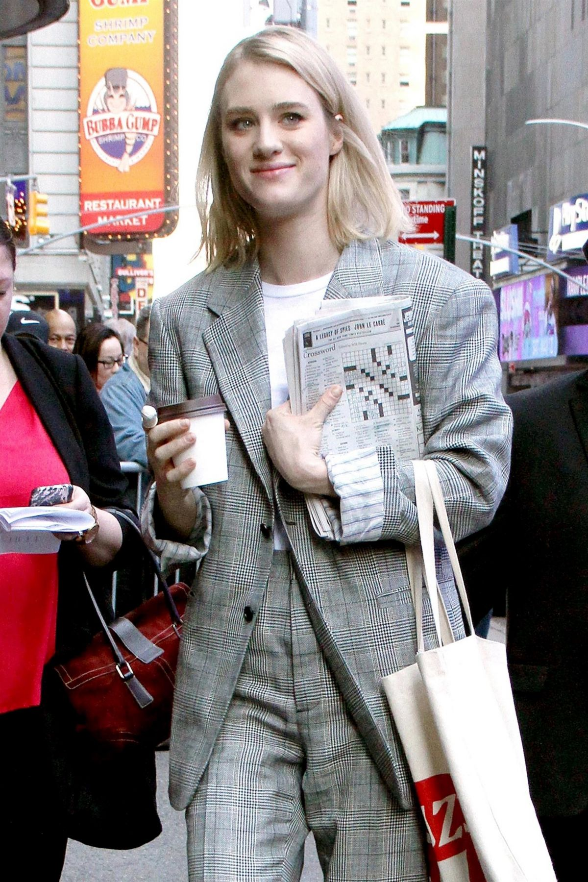 Mackenzie davis at good morning america tv show in new for Tv shows to see in new york