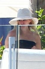 Reese Witherspoon Spending some time with her family at a resort in Los Cabos