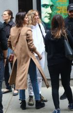 Selena Gomez, Paul Rudd & Justin Theroux Head out to have lunch after watching a play together in NYC