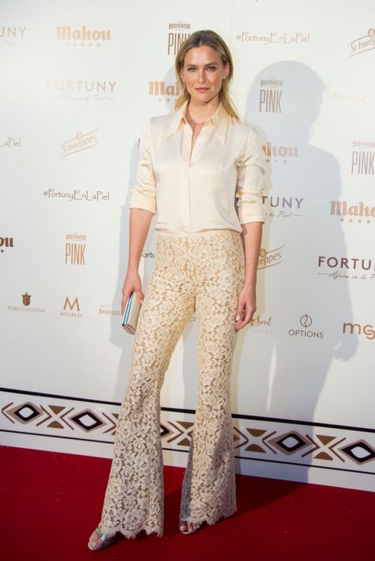Bar Refaeli At the charity dinner #Africaenlapiel to raise funds for albinism people in Tanzania in Madrid