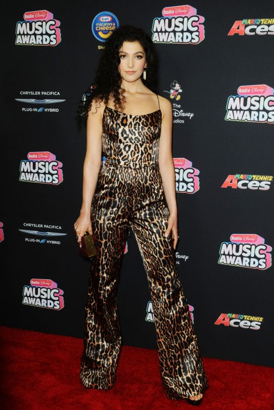 Caroline Romano At Radio Disney Music Awards, Los Angeles