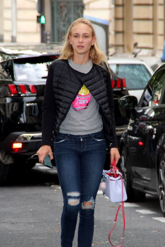 Donna Vekic Spotted out and about in Paris