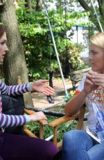 Ellie Kemper & Busy Philipps On the set of