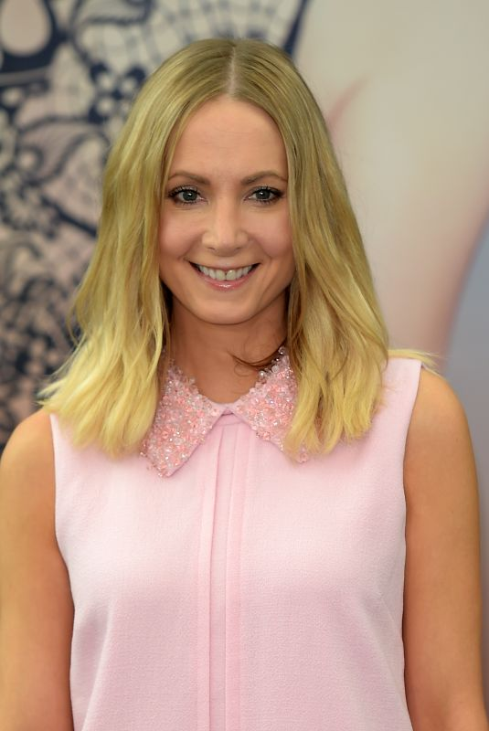Joanne Froggatt Of the serie