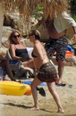 Kate Hudson and Danny Fujikawa sighted with Goldie Hawn at the beach on Skiathos Island