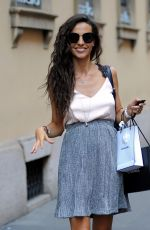 Laura Barriales Shopping in Milan