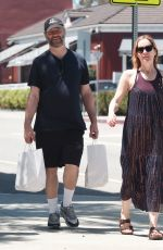 Leslie Mann and Judd Apatow Spend The Day Shopping at The Brentwood Country Mart in Covina