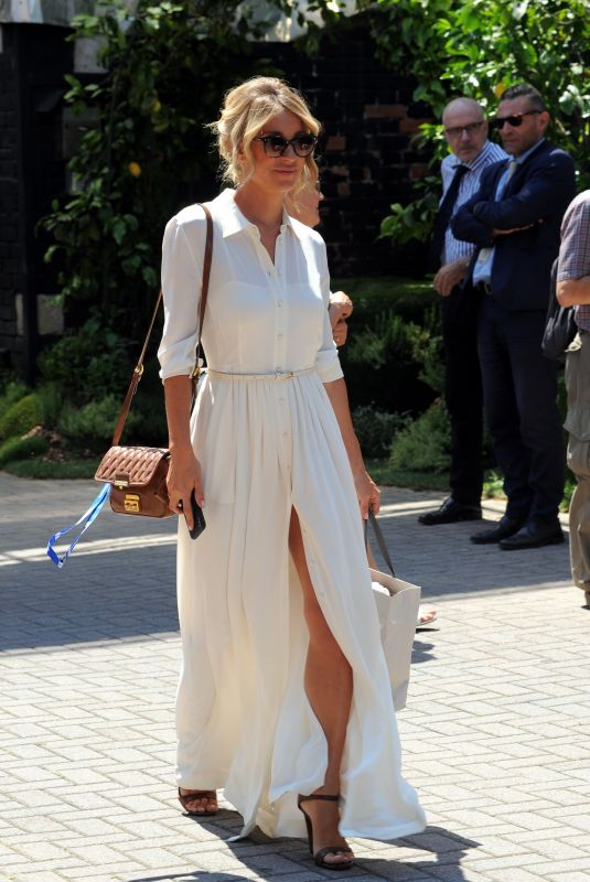 Mia Ceran Out and about, Milan, Italy