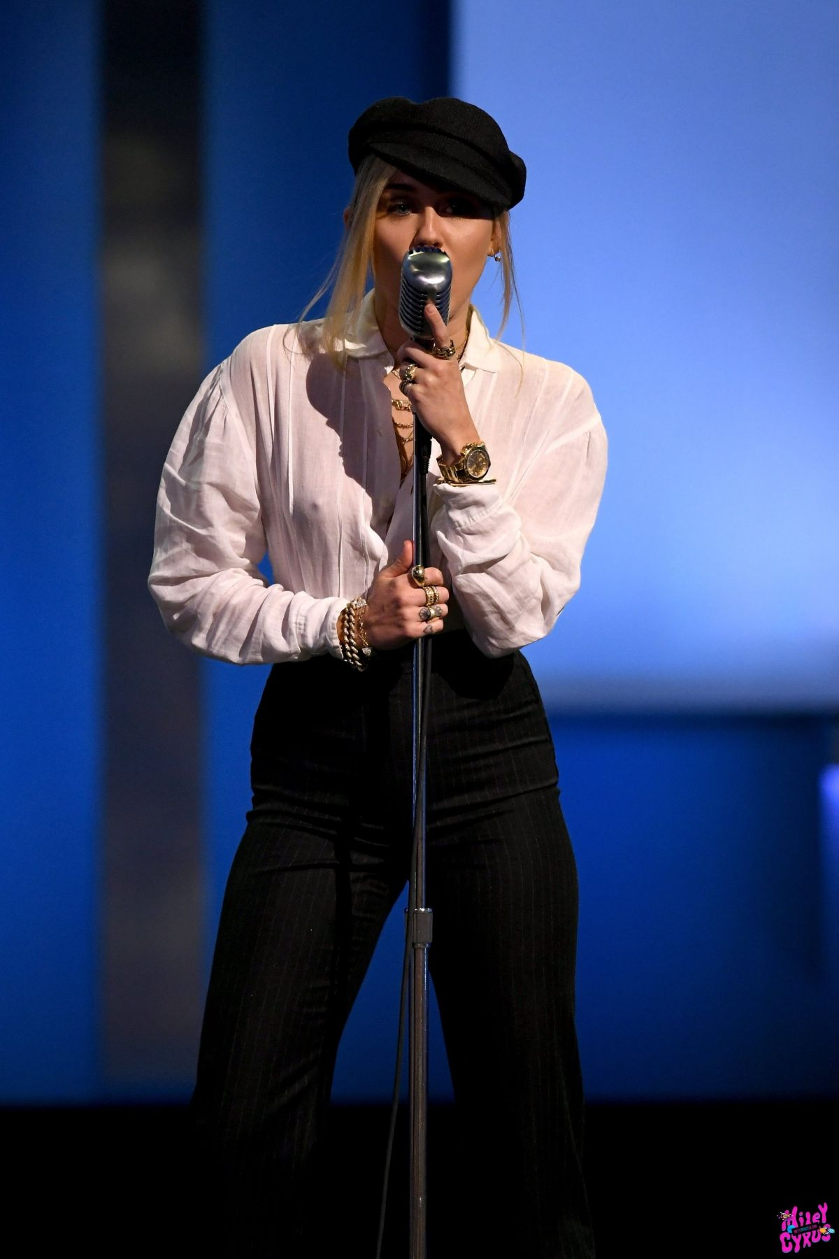 Miley Cyrus Performs Live at 46th AFI Life Achievement