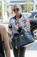 Ashlee Simpson Gets ready for some pampering time at Nine Zero One hair salon in Los Angeles