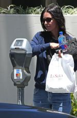 Courteney Cox Pays the Meter While Getting Take-Out From La Scala Beverly Hills