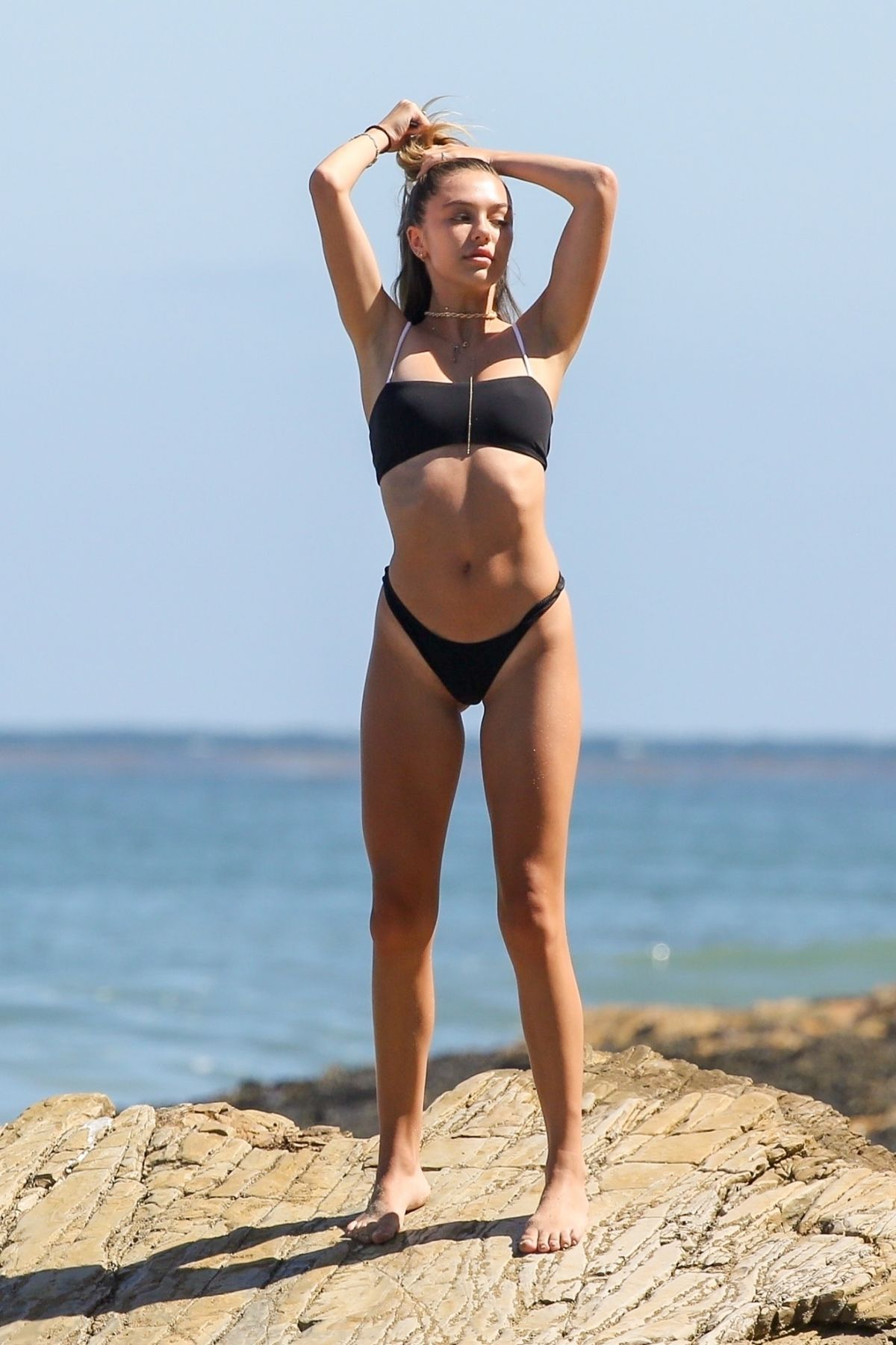 Delilah Belle Hamlin In a monochrome bikini during a amateur photoshoot  with a friend in Malibu