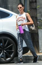 Jenna Dewan Leaving the gym in Los Angels carrying a Hydro Flask