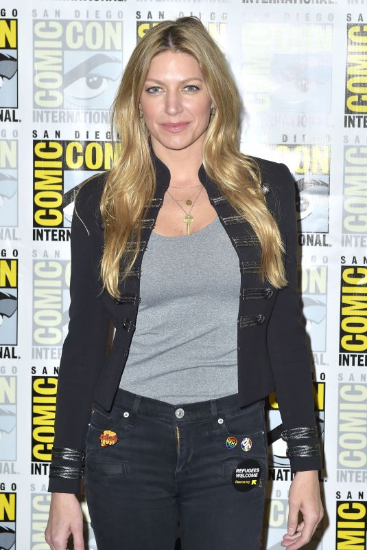 Jes Macallan At 2018 San Diego Comic Con - Legends of Tomorrow - Photocall