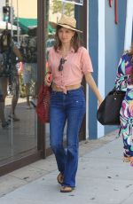 Katja Herbers Goes shopping in the 90210