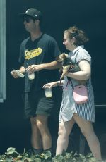 Lena Dunham Enjoys a date with her new mystery boyfriend in Los Angeles