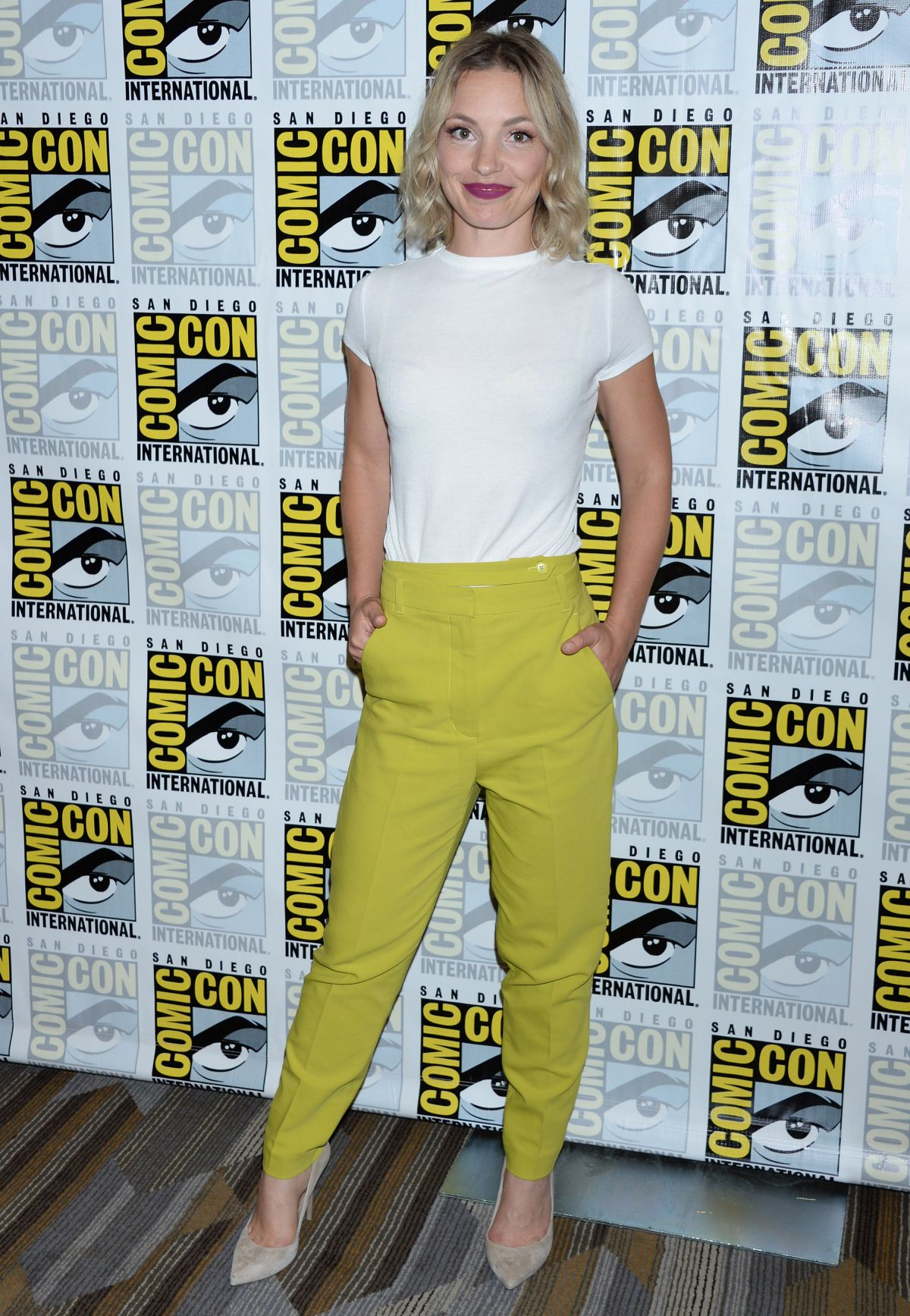 Perdita Weeks At Charmed Tv Show Photocall Comic Con
