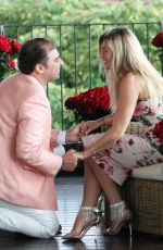Salvatore Palella asks the hand of the model Samantha Hoopes In the Bulgari Hotel in Milan where they met