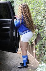 Blac Chyna Leaving her house and heading to the airport to catch a flight out of Los Angeles