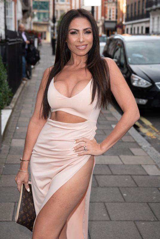 Francine Lewis At kiss nails and lashes x billie faier