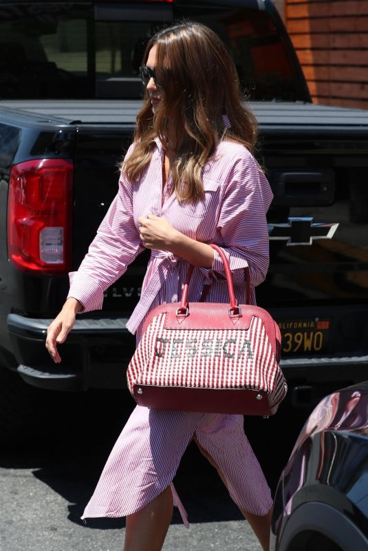 Jessica Alba Leaving a Thai restaurant after lunch in West Hollywood