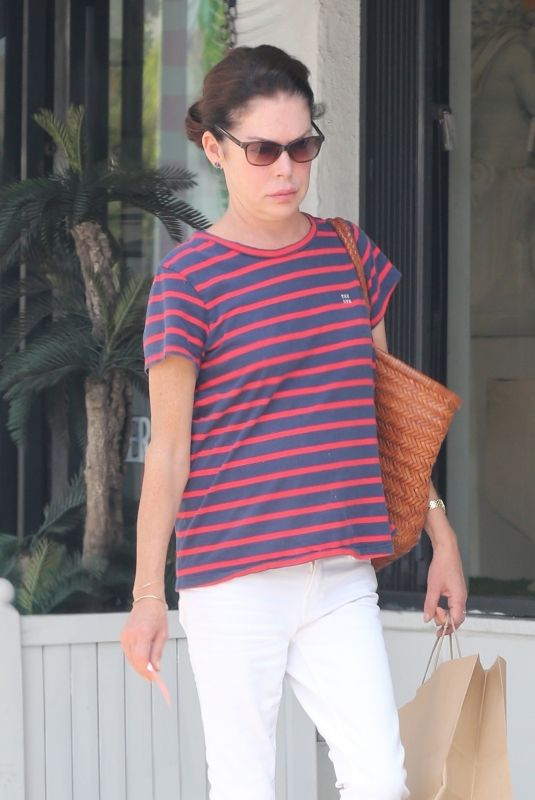 Lara Flynn Boyle Makes a rare public appearance while out running errands in Los Angeles