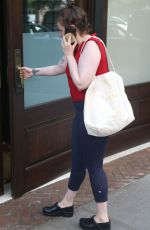 Lena Dunham As She Has An Animated Conversation On The Phone In New York