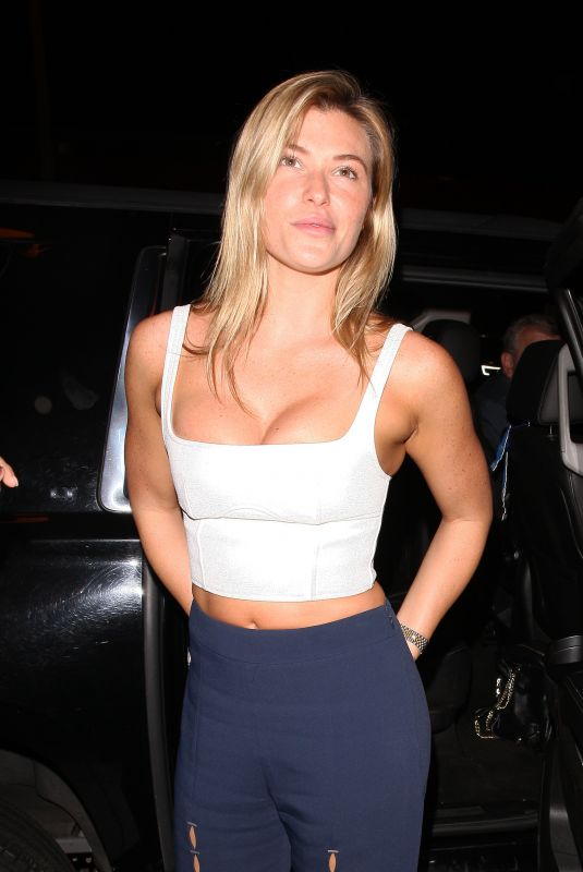 Samantha Hoopes Leaving the Delilah club in West Hollywood
