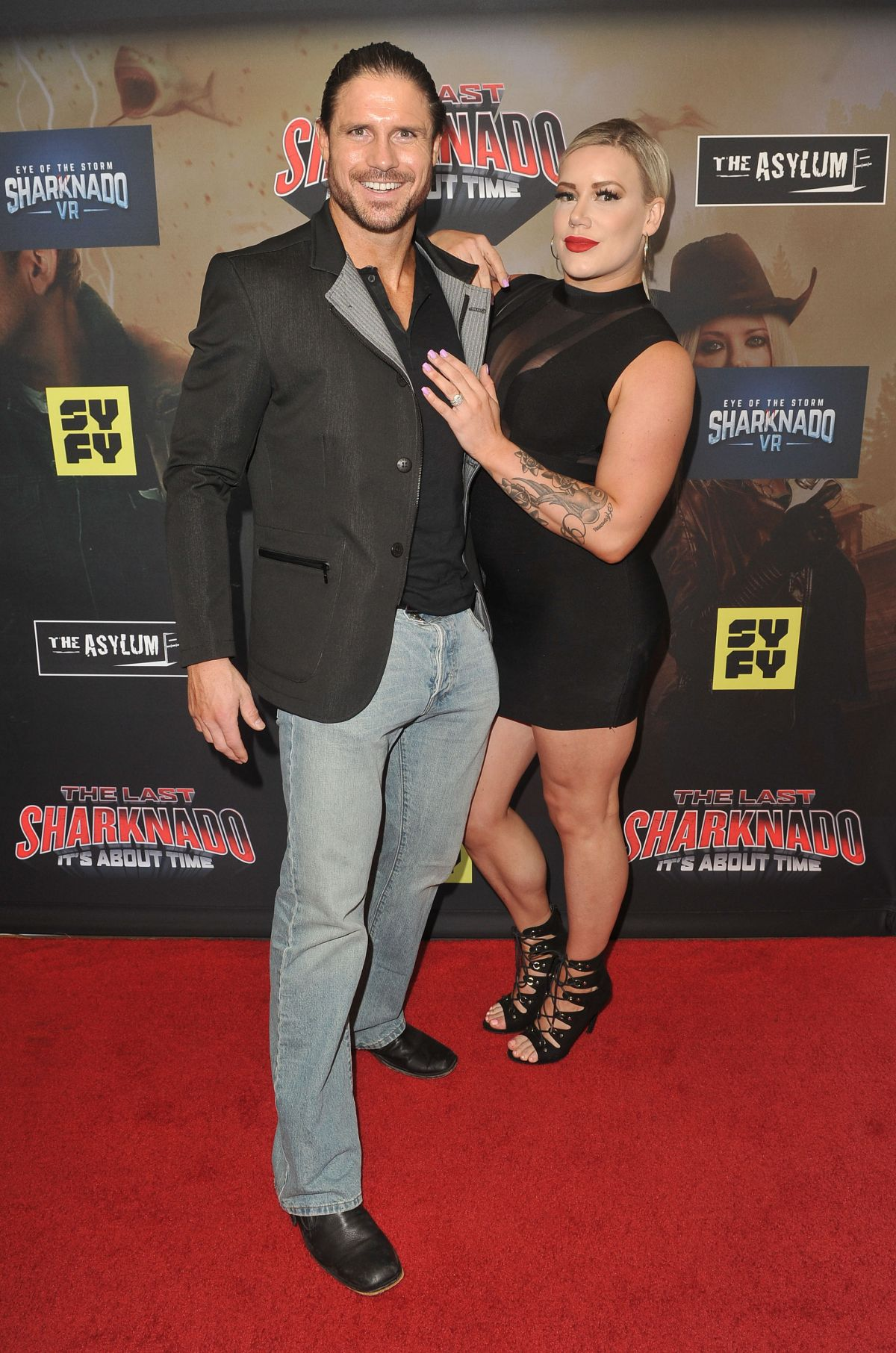Taya Valkyrie At 'The Last Sharknado It's About Time' film ...