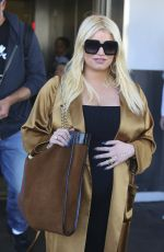 Jessica Simpson Arrives from a flight at LAX airport in Los Angeles