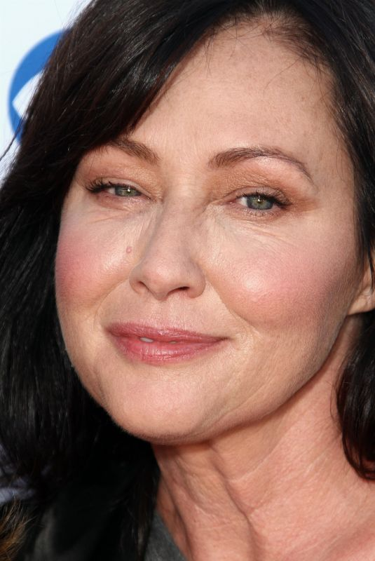 Shannen Doherty Stand Up To Cancer Benefit 2018 held at The Barker Hangar in Santa Monica