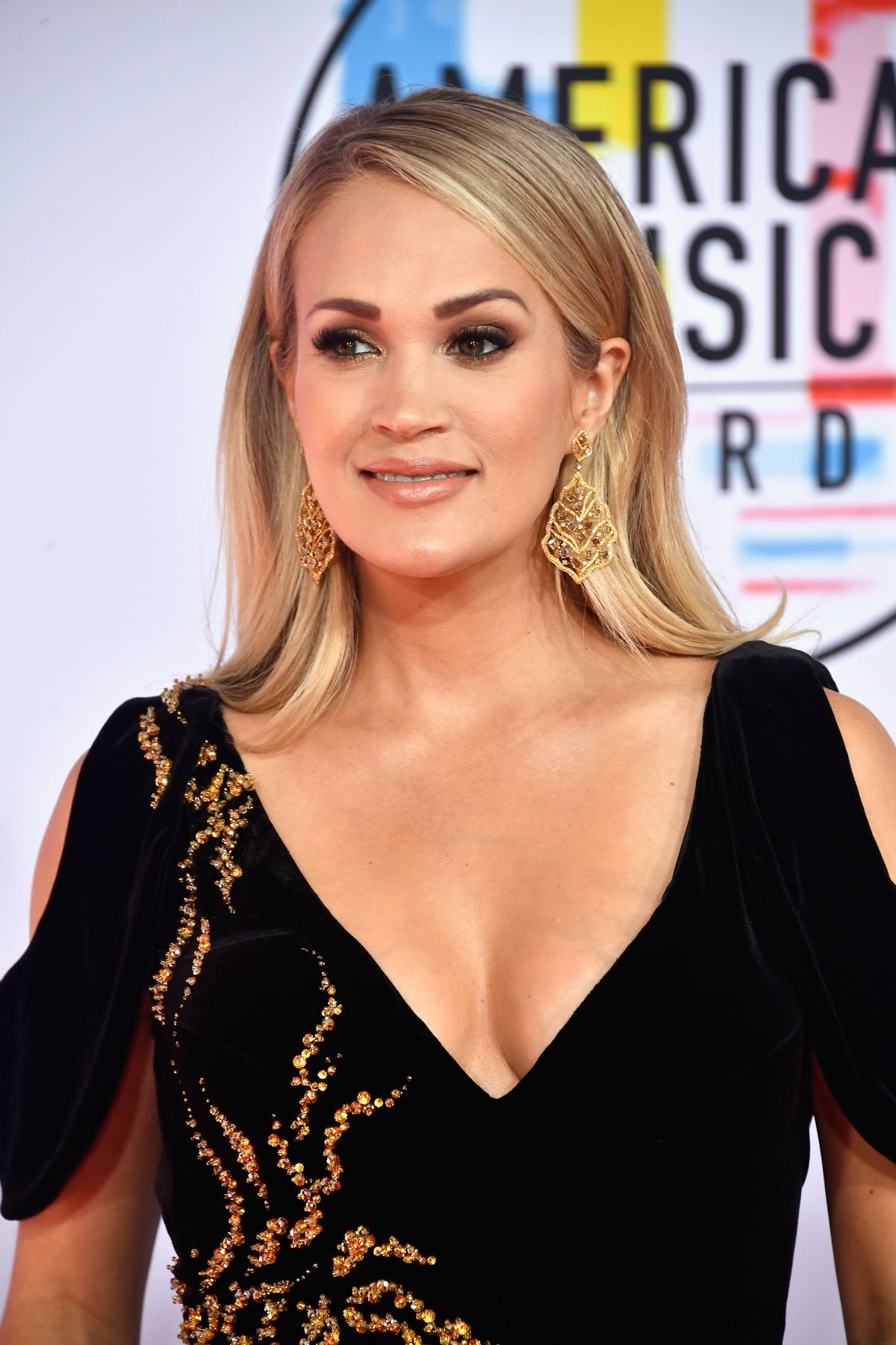 carrie underwood attends 2018 american music awards (ama