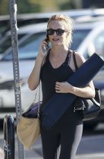 Heather Graham Has her hands full while going to a yoga class, Los Angeles