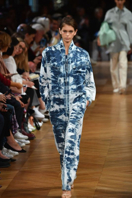 Kaia Gerber Walks the runway during the Stella McCartney show as part of the PFW in Paris