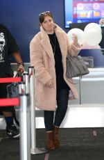 Lena Dunham Grabs coffee from Alfred