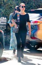 Natalie Portman Arriving for a lunch date with a friend in LA