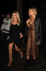 Sophie Monk Dines out at Craig